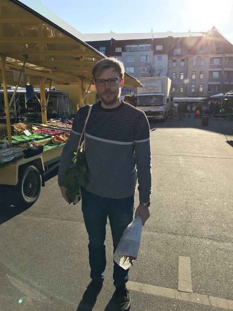Tobias Schnell forscht am Nachhaltigkeitsziel 12